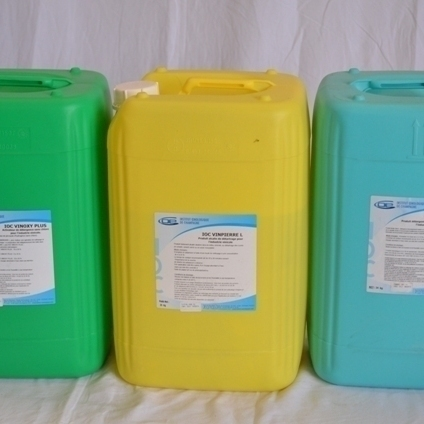 Vinoxy ( acide peracétique sur support de peroxyde d'hydrogène)